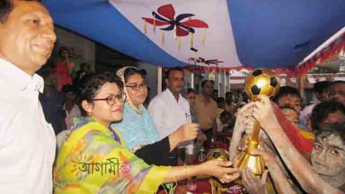 আমতলীতে বঙ্গবন্ধু ও বঙ্গমাতা শেখ ফজিলাতুন্নেসা মুজিব গোল্ডকাপ ফাইনাল খেলা অনুষ্ঠিত